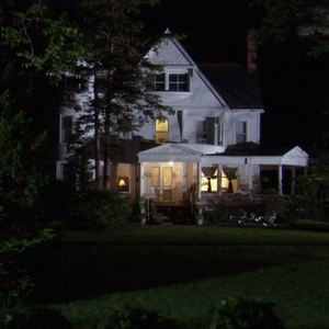 Default hot in cleveland house at night front